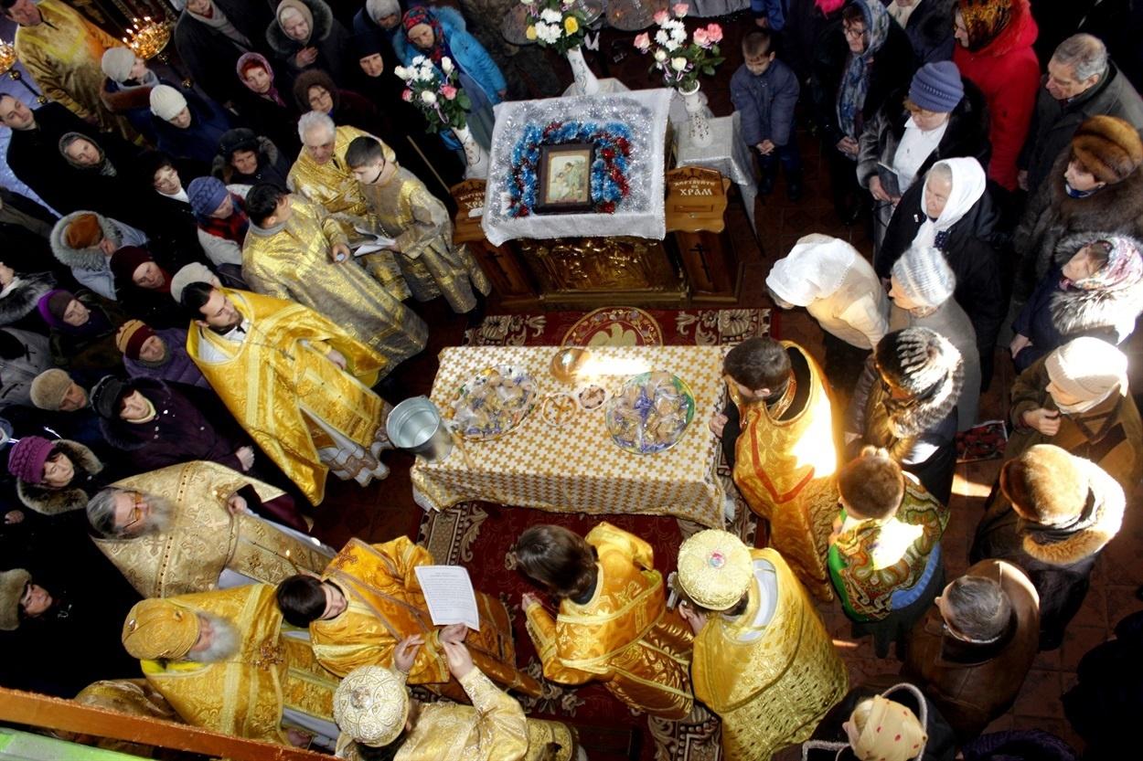 Богослужение в Попаснянском Свято-Николаевском Храме